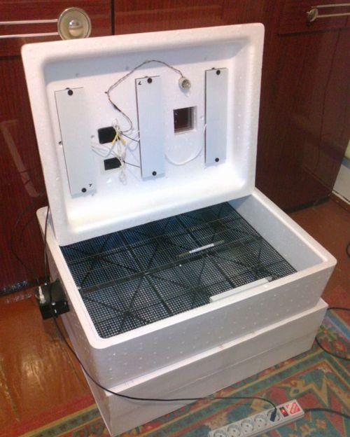 инкубатор с механическим переворотом яиц