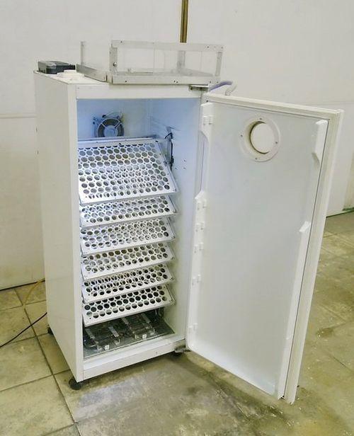 простой инкубатор